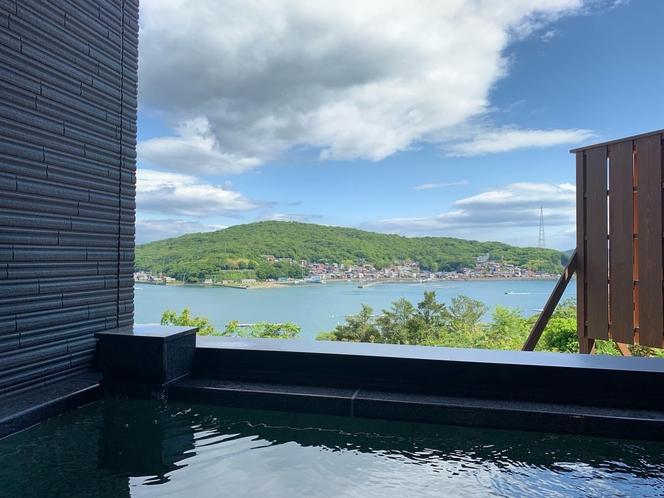 錆浅葱(Sabiasagi)  露天風呂からの眺望