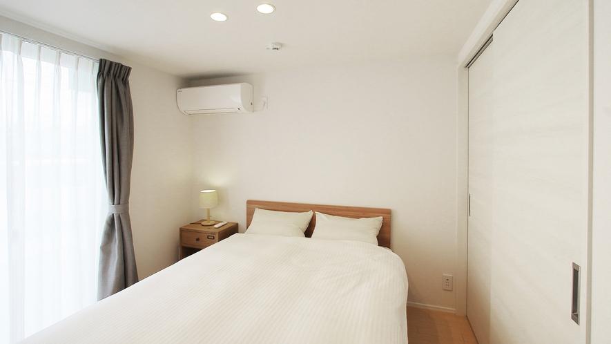 ・1階ベッドルーム
