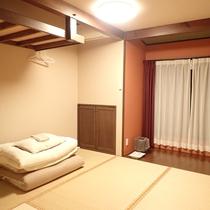 【和室】シンプルな畳のお部屋です。お布団は人数分ご用意致します。