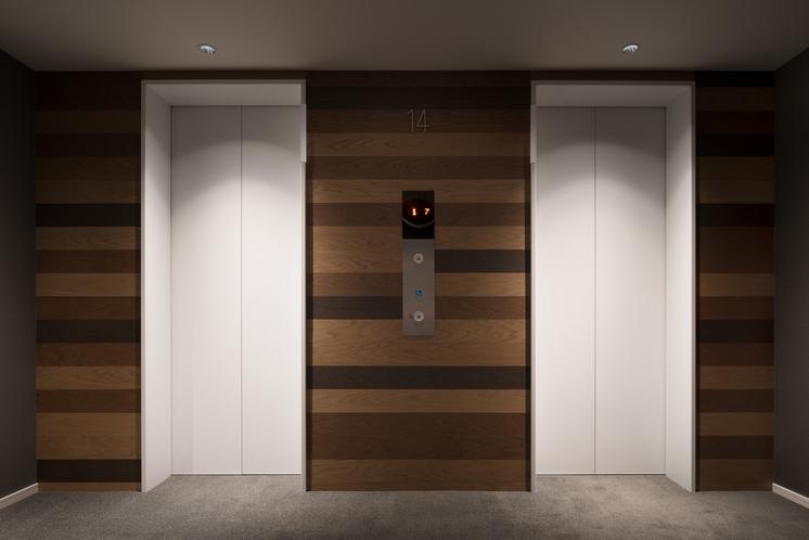 エレベーターはセキリュティ性の高いカードキー連動タイプを採用しております。