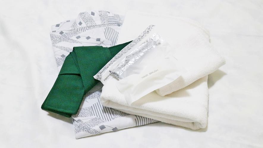 *【アメニティ一例】浴衣、バスタオル、歯磨きセット、ブラシをご用意しております