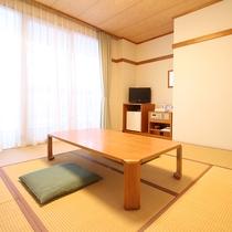 *【和室一例】シンプルな造り♪布団を3組まで敷ける和室8畳の客室