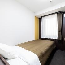 シングルルーム【120cm幅ベッド1台】