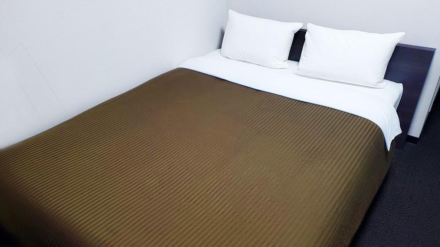 ダブルルーム【140cm幅ベッド1台】