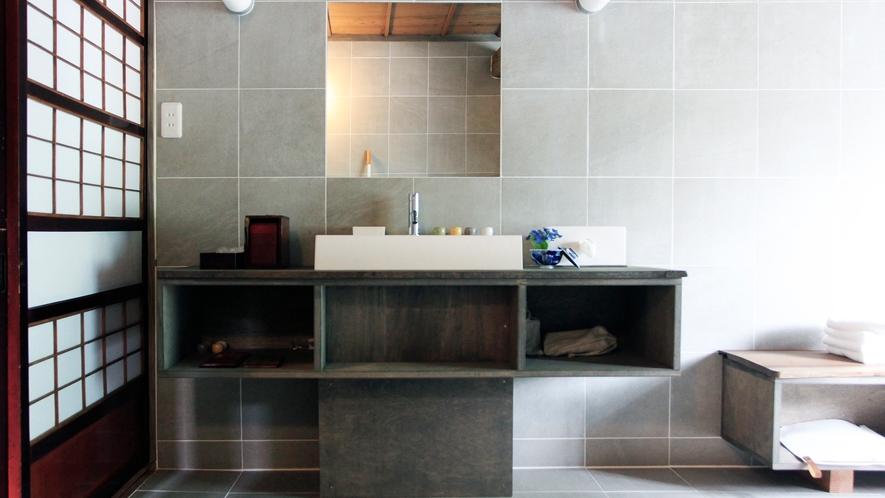 カラふるカネモ:洗面室