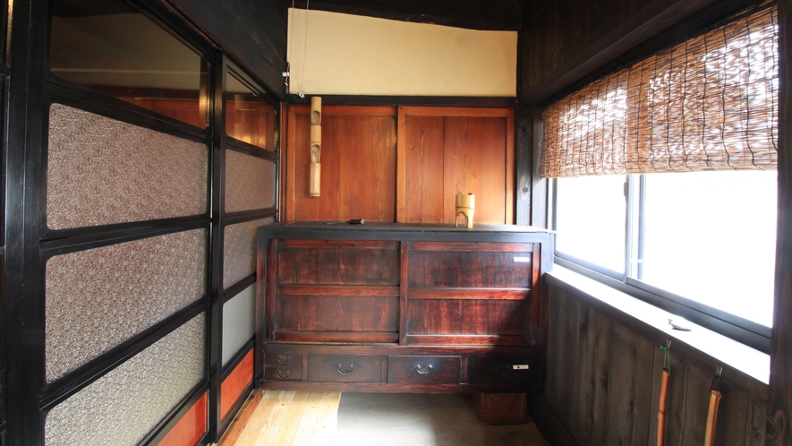 カラふる与四右衛門:客室玄関