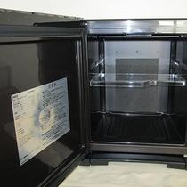 各客室には冷蔵庫を完備しております。