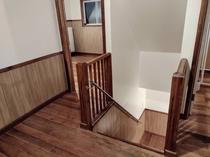 階段 一階へ1
