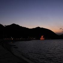 厳島神社 大鳥居(写真提供:広島県)