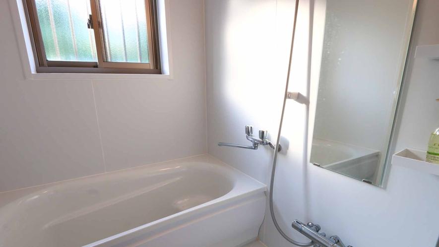 和室タイプのバスルーム☆のんびり湯船に浸かりながら旅の疲れを癒やしてください♪