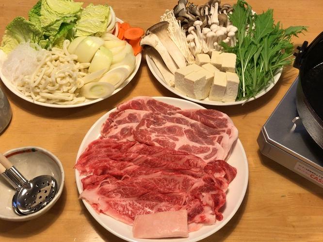 """富良野和牛・上富良野ポークと道産の野菜を中心とした""""すき焼き"""""""