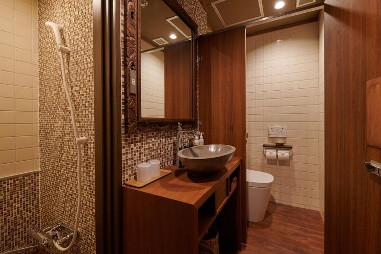 タナ 上げ床タイプのシャワールーム・トイレ
