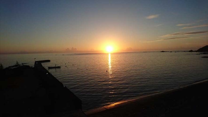須野海岸からの日の出