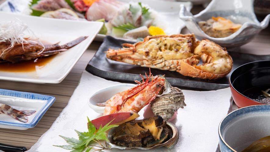 *【ご夕食】「車エビ」を始め、天草近海で獲れる新鮮な海の幸を存分にお楽しみいただけます。