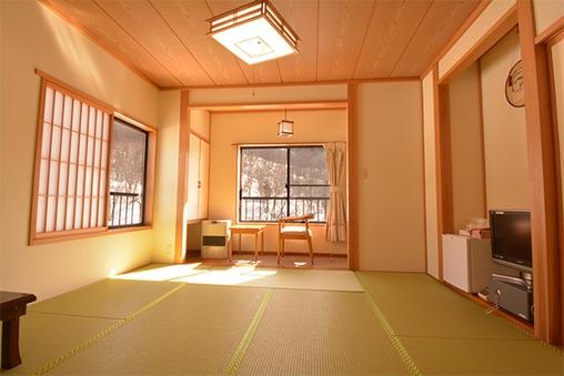 【新館】月山・姥ヶ岳・五色沼を望む角部屋和室 (8畳)