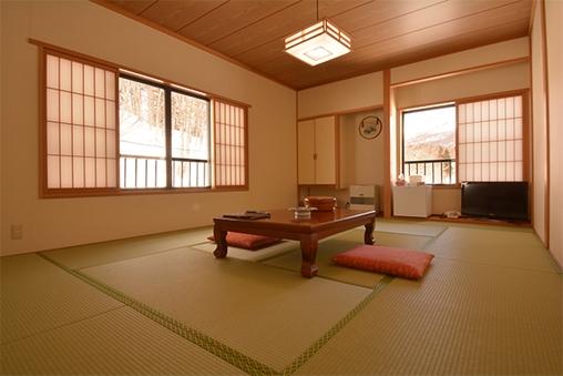 【新館】月山・姥ヶ岳・五色沼を望む和室 (12畳)