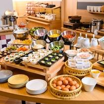 【朝食バイキング】ブッフェ形式です♪