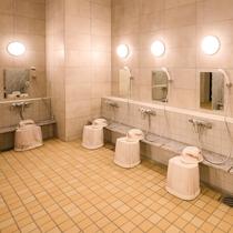 【女性大浴場】洗い場も広々とお使い頂けます♪