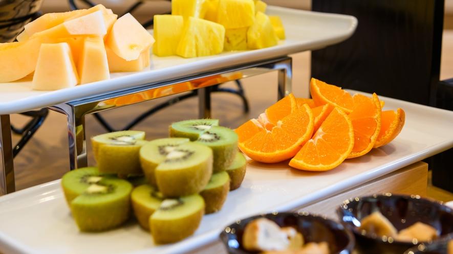【朝食バイキング】デザートにはフルーツも♪