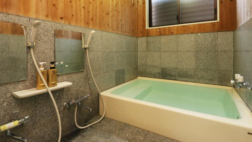 貸切家族風呂は2カ所!空いてるときにお入りください!