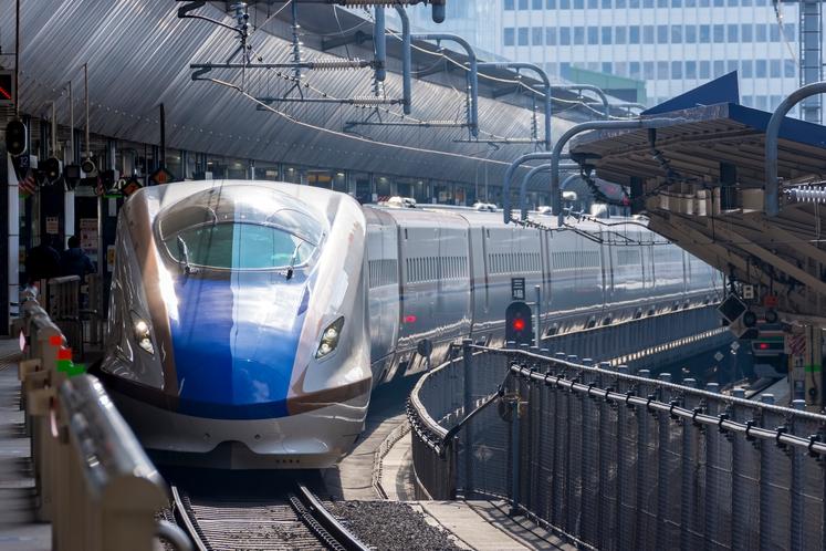 東京駅からタクシーで15分ほどの場所に当館がございます。