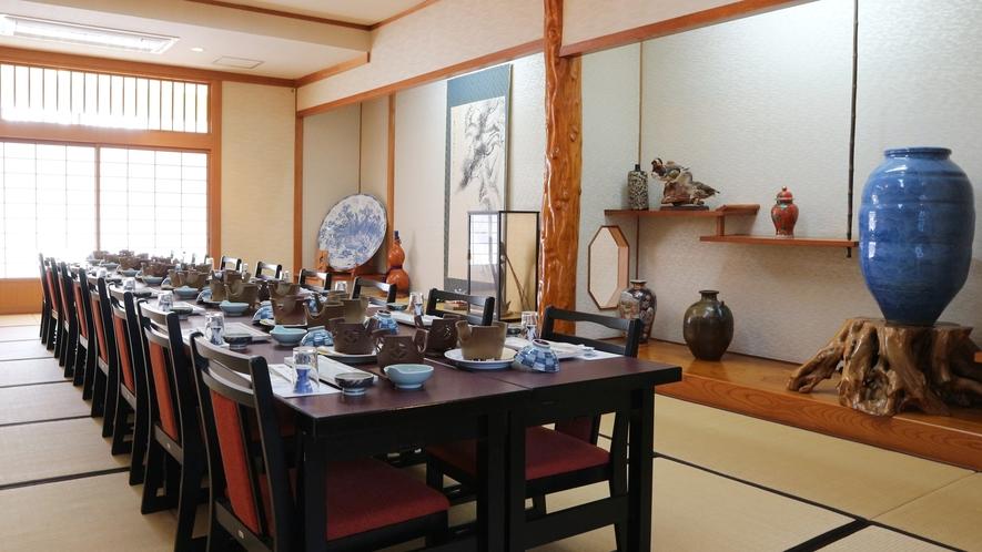 *お食事処/床の間のある広間にて和を感じながらすっぽん、会席をお楽しみください。