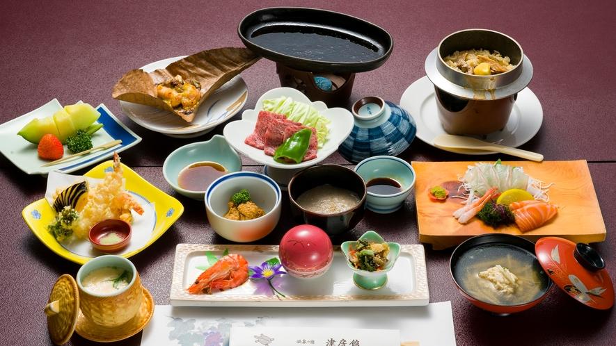 *夕食一例/季節会席。豊後牛、お刺身、釜飯など旬の食材をふんだんに使用したコースです。