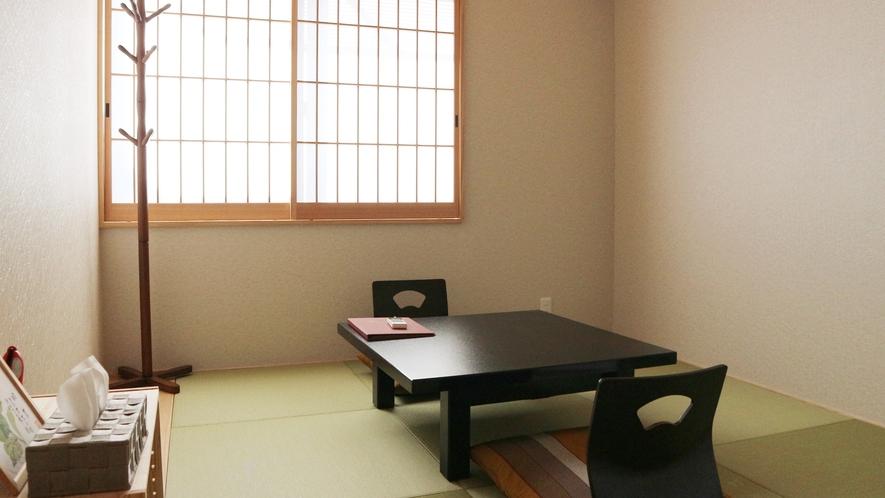 *別館/おひとり様用の個室です。読書やお仕事などにいかがでしょうか。