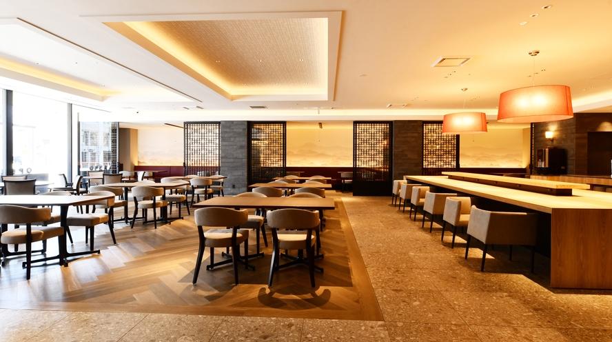 Modern Chinese Restaurant OPERA 店内 入口から見た景色