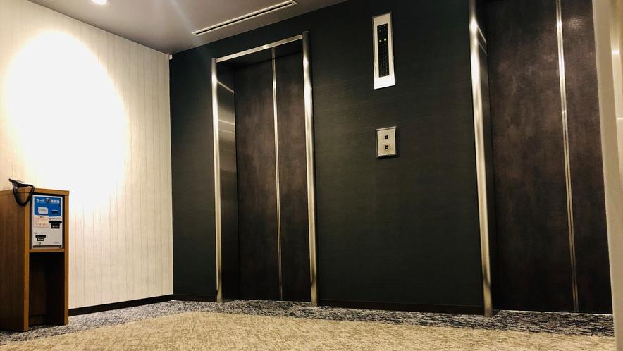 エレベーターもリニューアル致しました。