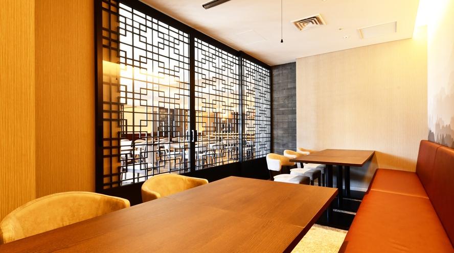 Modern Chinese Restaurant OPERA 店内 個室も完備