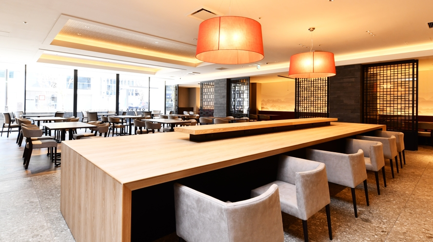 Modern Chinese Restaurant OPERA 店内 カウンター席