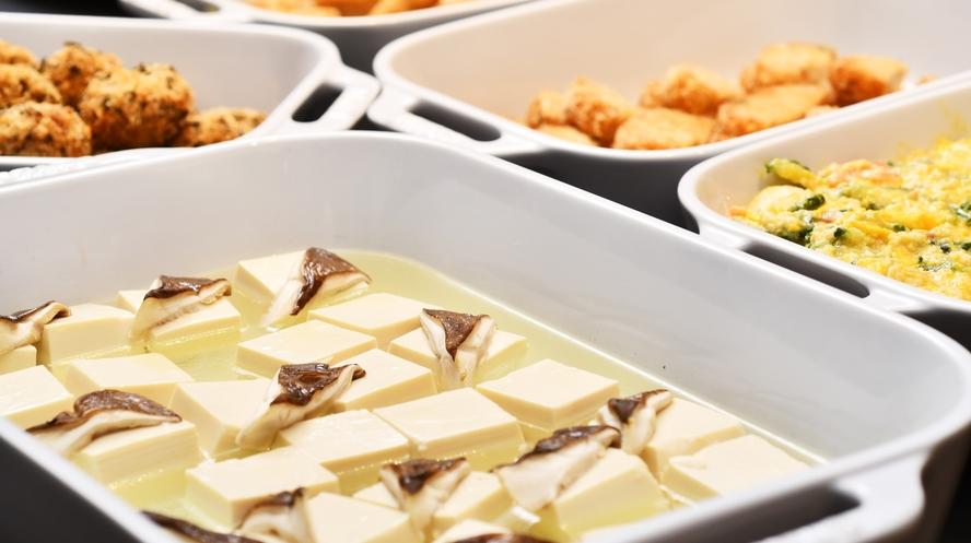 大分県は椎茸の名産地。椎茸湯豆腐をお楽しみください。