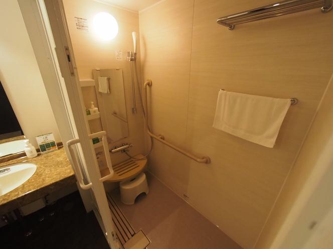 ユニバーサルツインルーム シャワー