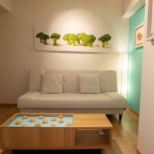 【パンの部屋】田中さんの作品の一部になったような気分でお過ごしいただけます