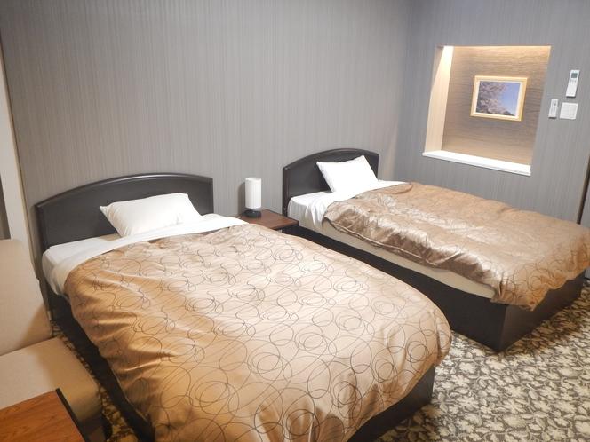 203号室 ツイン+ソファーベッド 最大3名様就寝。