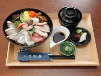 うお貞の海鮮丼 1850円税別 うお貞のぶっかけ海鮮丼です!