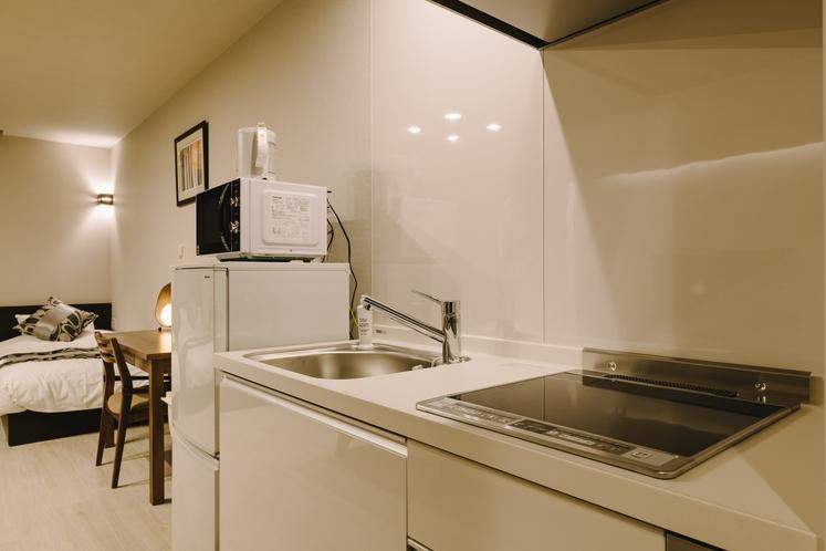 スーペリアA_キッチン、調理器具付き。冷蔵庫や電子レンジも完備!