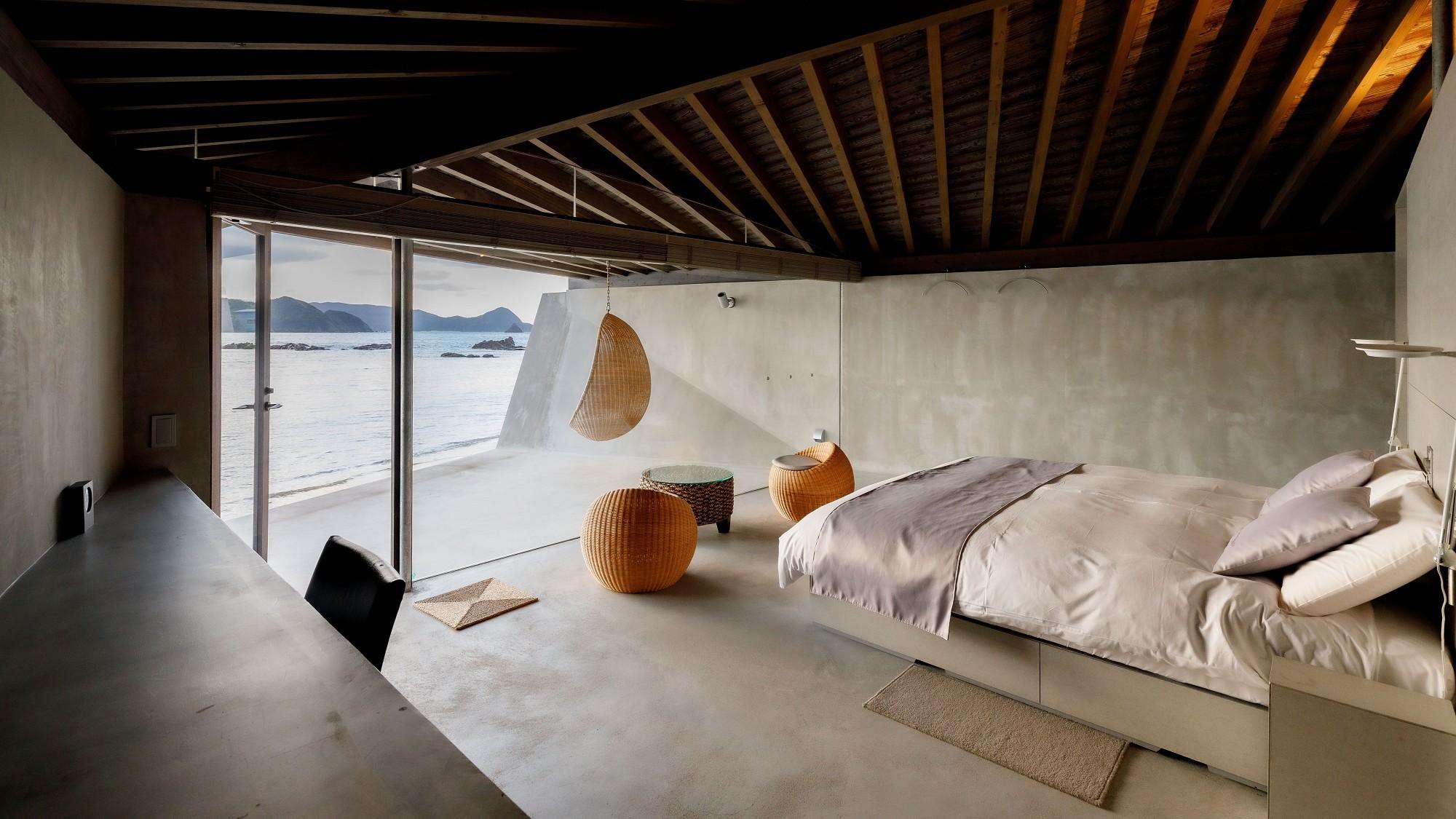 【デラックスダブル】ベッドはクイーンまたはキングサイズをご用意しております。
