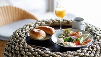 【朝食】通常のご朝食一例 ※現在は感染症対策の為、テイクアウトでご提供中