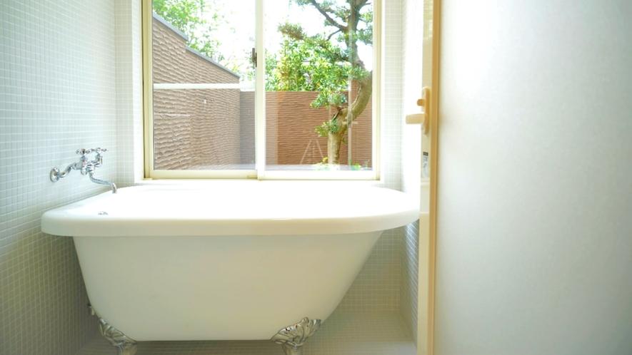 お風呂場と浴槽