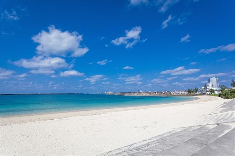 パイナガマビーチ 宿から車で5分 美しいミヤコブルーの海が広がります