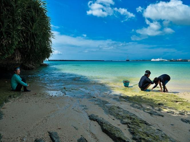 パイナガマビーチ 宿から車で5分。市内から一番近い海水浴場で夕日スポットです。