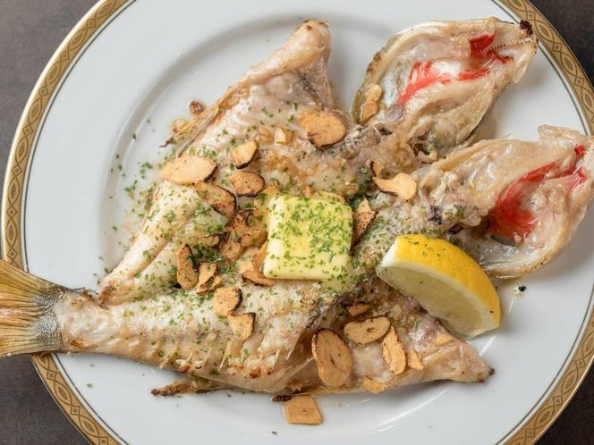 姉妹店「料理屋一刀」有料メニュー例:島魚のにんにくバター焼き
