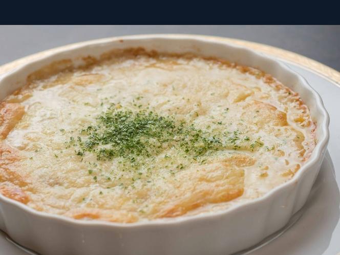 姉妹店「料理屋一刀」有料メニュー例:カニクリームグラタン