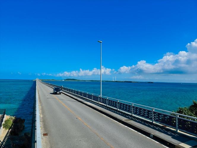 池間大橋 宮古島と池間島を繋ぐ1425mの橋。池間島からの眺望。