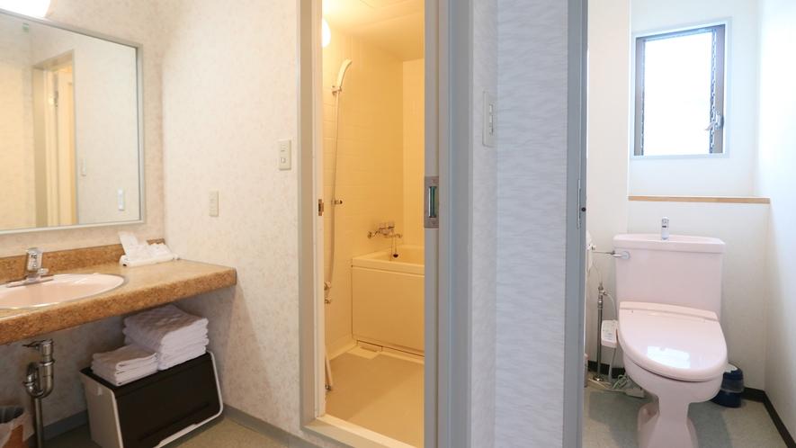 【和室10畳+広縁】全室バス・ウォシュレット付トイレ・洗面所を完備