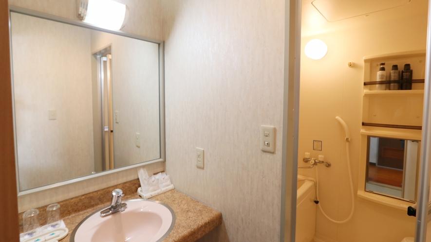 【和室8畳】全室バス・ウォシュレット付トイレ・洗面所を完備