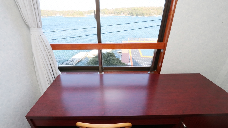 【和洋室】お部屋からは海を眺めることが出来ます