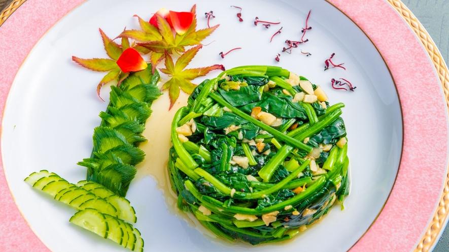 本格中華料理をベースに伊勢志摩の新鮮な食材を用いた創作料理をお楽しみください。